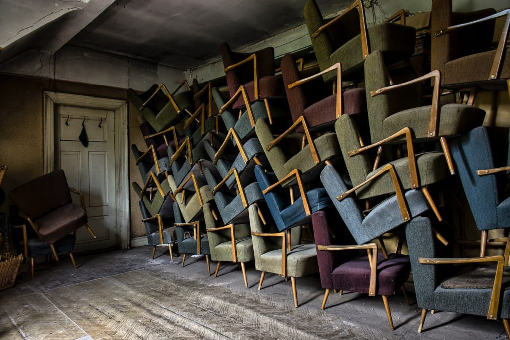 Tips for getting rid of old furniture